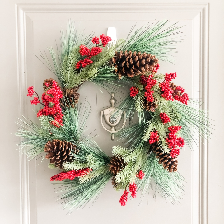 16 Cute & Affordable Christmas Wreaths
